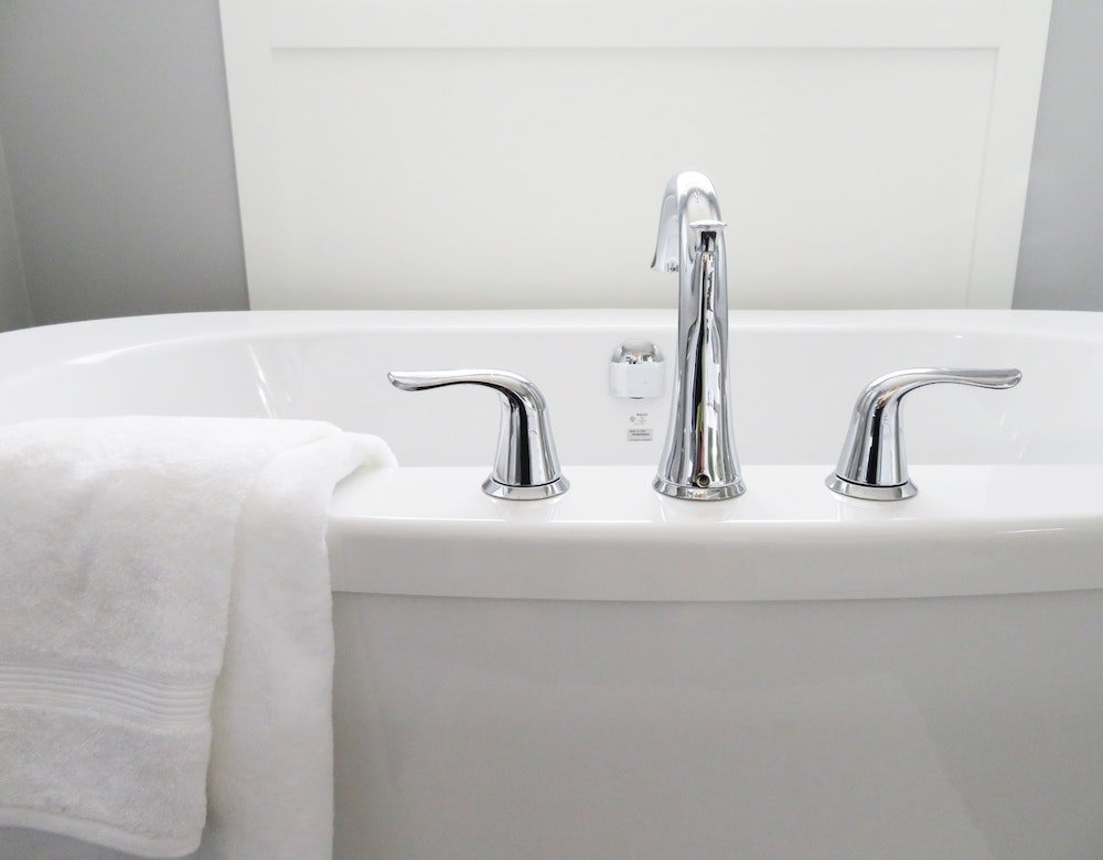 A white bath